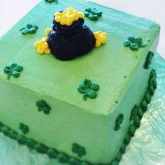 Caroline's Cakes St. Patrick's Day Cake!  Love Caroline's Cakes, cakes!!!