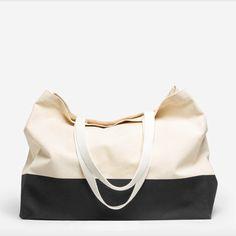 everlane-beach-tote-bag