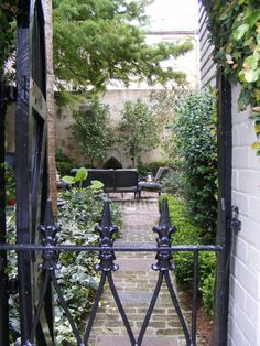 Small Courtyard Garden Design Inspiraions 18