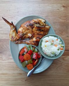 Nando's peri peri chicken. Chickilicious. What side dish and sauce you prefer at Nandos???