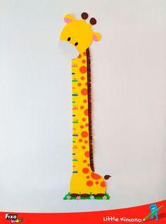 Tutorial paso a paso para hacer una divertida jirafa medidora con goma EVA de colores.  Incluye plantilla descargable.  #Manualidades #gomaeva Baby Nursery Decor, Craft Organization, Tweety, Ideas Para, Wood Projects, Kids Room, Crafts For Kids, Baby Boy, Room Decor
