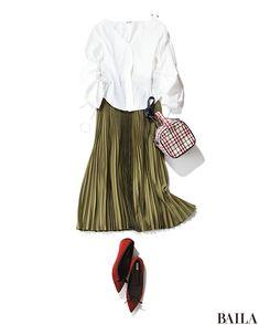 カーキのプリーツスカートは、今っぽい雰囲気かつ、スカートながら辛口に履けるのがうれしい。白ブラウスと合わせれば、ちょっぴりクールなトレンドコーデが即完成! カーキの締め色効果&プリーツの縦感で、美スタイル見えも叶えます。女子ウケをさらに高めたいなら、赤の差し色で華やかさをプラスし・・・