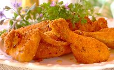 Crunchy Oven-Baked Drumsticks - easy to make and perfect for leftovers Breaded Chicken Recipes, Oven Baked Chicken, Savory Snacks, Snack Recipes, Oven Baked Drumsticks, Drumstick Recipes, Spring Recipes, Kids Meals, Curry