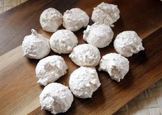 Kokosové pusinky, Drobné pečivo, recept | Naničmama.sk Dairy, Cheese, Cake, Sweet, Sweets, Pie Cake, Pastel, Cookies, Pie