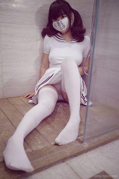 【弱気乙女】くっそエロい中国人巨乳コスプレイヤーの弱気な亀甲縛り自撮りがコチラwwwww