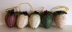 Craft Room Confidential: {Handmade Christmas} Pinecone Ornaments