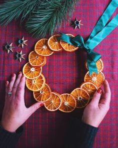 Gott till julens glöggmingel med Saint Agur & kavring - Helena Lyth The Night Before Christmas, Christmas Is Coming, Orange Craft, Dried Oranges, Arts And Crafts, Diy Crafts, Pom Poms, Christmas Crafts, Wreaths