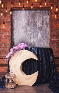 Wedding podium - moon and retro lights Свадебный президиум - луна и ретро огни