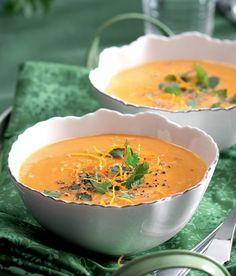 Mrkvovokoriandrová polévka Thai Red Curry, Cantaloupe, Nom Nom, Cooking Recipes, Vegan, Fruit, Ethnic Recipes, Bude, Soups