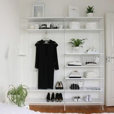 Interior Design, Furniture Diy, House Rooms, Interior, Shelves, Interior Design Diy, Walk In Closet, Home Decor, Room