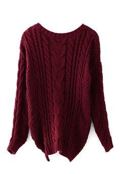 2. Burgundowy sweter, warkocze i grube spoloty