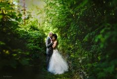 Couple facing Alternative Ryan Brenizer Photography