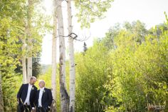 Red Pine Lodge || Floral, Decor & Planning: Harvest Moon Events | Photo: Dezember Photography