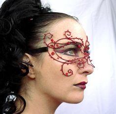 Red vine masquerade mask handmade by gringrimaceandsqueak on Etsy.