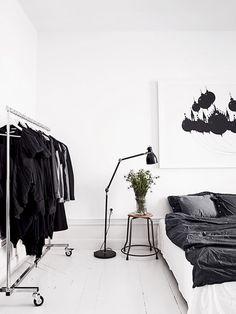 Elegant Interior Designs: 182 Monochrome Styles Collection https://www.futuristarchitecture.com/18044-monochrome-interior.html