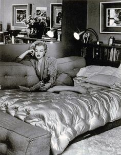 Marilyn Monroe at the Beverly Carlton Hotel by John Florea, Carlton Hotel, Marilyn Monroe Photos, The Beverly, Norma Jeane, Sexy Poses, Christina Hendricks, Life Is Beautiful, Beautiful People, Great Photos
