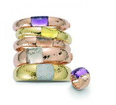 Pink and yellow gold bangles with amethyst, lemon quartz, smoky quartz, rock crystal and diamonds. Pink gold ring with amethyst. Gold Bangles, Gold Jewelry, Lotus Jewelry, Jewellery, Jewelry Box, Coin Shop, Purple Quartz, Perfume, Roberto Coin