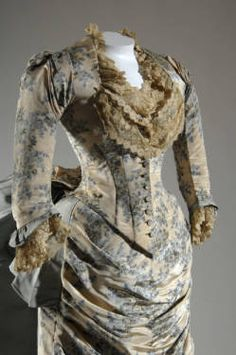 Evening dress, 1883. Printed silk moiré, faille, lace. Charles Frédérick Worth, France. Made for and worn by Fannie Farwell, American, age 19 in 1883.    Chicago History Museum: Costume and Textile Collection
