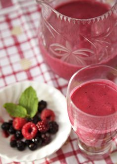 Berrilicious smoothie A pink explosion of morning goodness and a delicious shot of energy!