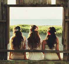 Choosing The Right Bridesmaid Dresses to Vivify Your Beach Wedding Photography