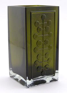 """NANNY STILL - Glass vase """"Lucullus"""" designed 1966 for Riihimäen Lasi Oy, in production Finland. Wooden Vase, Metal Vase, Art Nouveau, Art Deco, Old Vases, Large Vases, Colored Glass Vases, Black Vase, Crystal Vase"""