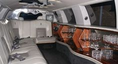 1300golimo has been giving quality limo contract benefits in Victoria since 1987 for a huge number of occasions and events.