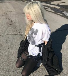 Grunge Outfits, Aesthetic Girl, Aesthetic Clothes, Site Model, Pretty Outfits, Cute Outfits, Indie, How To Pose, Swag Style