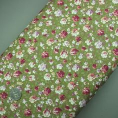 Green ditsy floral print cotton fabric (321945511755)