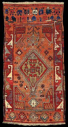 Gallery KELIM - Village Carpets Carpet Central Anatolia (Cappadocia) 18th century 205 x 110 cm