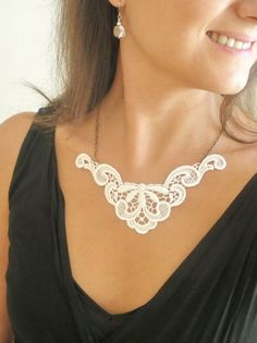 Leaves and Flowers Garland Lace Necklace white ivory  by GBILOBA, €14.00