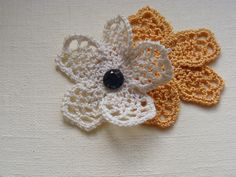 "Ирландское кружево. Цветок ""крыло бабочки"" Irish lace https://youtu.be/RA5xPcpqzbc Элемент ирландского кружева - цветок, вязаный крючком. Мотив для ирландско..."