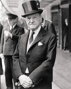 William Somerset Maugham, leaving the Dorchester Hotel to attend a private investiture at Buckingham Palace, July 14, 1954. (© Bettmann/CORBIS/Corbis Images)