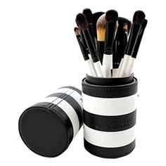 Morphe Brushes 12 Piece Pro Sable Brush Set allows the professional makeup artist within to express itself.  With eleven professional brushe