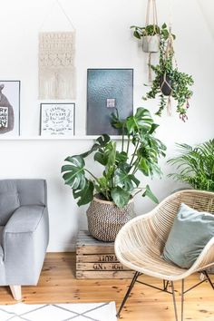 This is my new favorite corner in my remodeling . Urban Jungle - Green Living with Monstera, Succulent and Co! This is my new favorite corner in my remodeling . Urban Jungle - Green Living with Monstera, Succulent and Co! Decor, Green Living, Monstera, Boho Interior, Interior Design, Room, Interior, Room Design, Home Decor