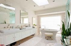 Master Bath- Kate Walsh's house. Again, so calm and peaceful (umm and luxe)
