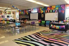 Inspiring Art Rooms - Walls Can Teach. Inspiring Art Rooms - Walls Can Teach - The Arty Teacher. Is it just me, or do you love looking at other peoples inspiring art rooms? I'm interested to see how they have made a space ripe for creativity. Art Classroom Decor, Diy Classroom Decorations, Classroom Design, Classroom Ideas, Classroom Walls, Elementary Art Rooms, Art Lessons Elementary, Elementary Teaching, Art Education Lessons