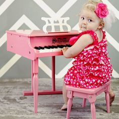 Amazing Schoenhut mini-piano for your budding virtuoso. On #zulily.