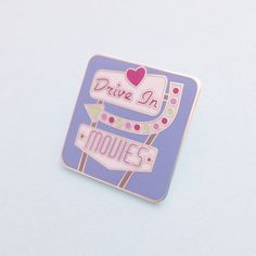 Drive In Movies Retro Sign Enamel Pin Badge Lapel por fairycakes