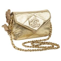 Pre-owned Chanel Wallet on Chain Leather Handbag (5.645 BRL) ❤ liked on Polyvore featuring bags, wallets, gold, women bags handbags, purses crossbody, leather shoulder bag, brown leather handbags, leather crossbody and leather crossbody purse