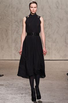 See the complete Doo.Ri Fall 2012 Ready-to-Wear collection.