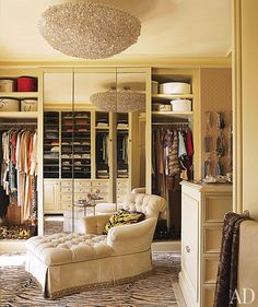 ♔ tiger rug, massive chandelier, grasscloth covered necklace 'wall', tufted chaise = fabulous dressing room