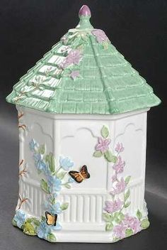 Lenox China Butterfly Meadow at Replacements, Ltd Antique Cookie Jars, Lenox Butterfly Meadow, Fine China Dinnerware, Biscuits, Vintage Cookies, Biscuit Cookies, Cute Cookies, Jar Lids, Candy Jars