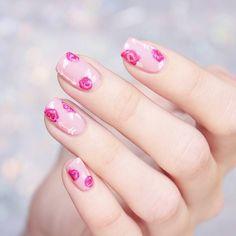 @jennifer_rosa_ floral pink arrow nails