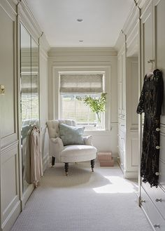 Oxfordshire Country Home: Dressing room designed by Sims-Hilditch with cabinetry. - Oxfordshire Country Home: Dressing room designed by Sims-Hilditch with cabinetry by Neptune – Sce - Small Dressing Rooms, Dressing Room Mirror, Armoire Dressing, Dressing Room Decor, Dressing Room Design, Dressing Area, Design Room, Design Design, Design Trends