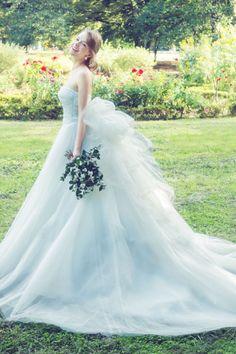 こだわりアリ!シンプルドレスにアクセントでもっと可愛い花嫁に♡ | marry[マリー]
