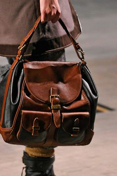 Marc Jacobs, Messenger Bag, Purses And Bags, Shoe Boots, My Style, Women's Handbags, Party Outfits, Accessories, Hand Bags