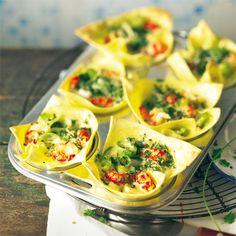 Echt smart: Wir verwenden Lasagneblätter als Drumrum für Flusskrebse und Gemüse. Mit etwas Blattsalat auf einem Teller angerichtet, sind die Pasta-Muffins eine hübsche Vorspeise! Foto: Thomas Neckermann