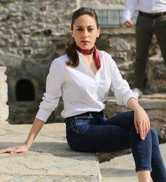 Öykü Karayel(Kalp Atışı-Eylül) Celebrity Outfits, Celebrity Pictures, Celebrity Style, Turkish Women Beautiful, Turkish Beauty, Summer Outfits, Casual Outfits, Fashion Outfits, Fashion Tips
