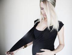 Belgian fashion blogger Ellemilla.be in our Mammae #nursing top. Fabulous! #pregnant