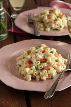 Yogurt, peas and bacon elbow pasta